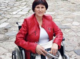 Raisa Rata, femeie cu suflet de trandafir, suferă de cancer.