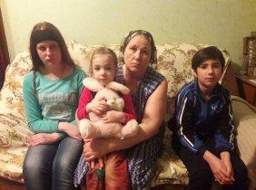 3 copii orfani sunt în pragul disperării