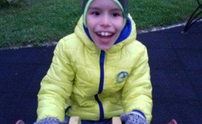 Egor, bolnav cu paralizie cerebrală vrea să învețe să meargă