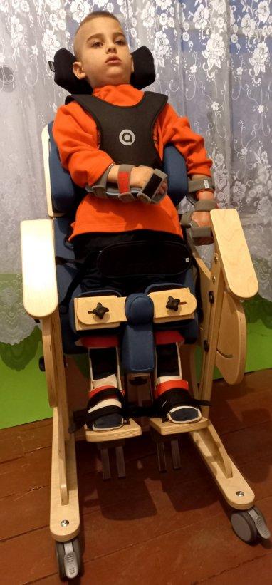 Иосиф Негинэ получил долгожданный вертикализатор, который облегчит его боль и страдания!